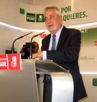 Griñán anuncia que pedirá una entrevista a Rajoy, al que insiste en ofrecer colaboración para superar la crisis