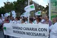 Los profesionales de la Sanidad vuelven a concentrarse ante los hospitales canarios en contra de los recortes
