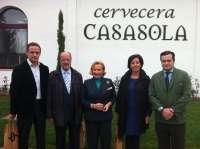Vadillo y León de la Riva visitan el convento benedictino del siglo XVI donde se elabora cerveza Casasola