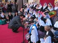 El público abuchea a Isern cuando empieza a hablar en castellano y no le deja acabar su discurso