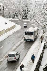 La presencia de nieve y hielo en la red viaria deja sin clase a 83 alumnos de 10 centros educativos de Lugo
