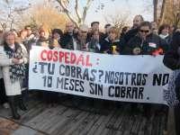 Más de 400 personas se manifiestan en Toledo para protestar por los impagos de la Junta a las residencias de mayores