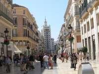 El Ayuntamiento aboga por convertir a Málaga en ciudad de compras y por poner en valor las playas