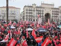 CC.OO. y UGT deciden hoy si habrá huelga general contra la reforma laboral