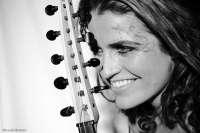La cantautora madrileña Ana Alcaide presenta este viernes en Ceutí su tercer trabajo 'La Cantiga del Fuego'