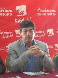 Valderas pide a Griñán que anuncie que va a recurrir también al TC la reforma laboral para