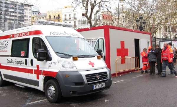 Cruz Roja atiende a 11 personas por lipotimias y contusiones en la novena 'mascletà'
