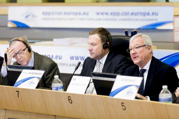 Válcarcel avanza que el crecimiento y empleo serán su primera prioridad al frente del Comité de Regiones de la UE
