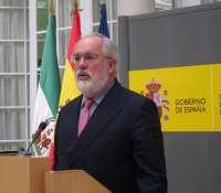 Arias Cañete dice que el Algarrobico tiene