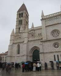 La amenaza de lluvia cancela los desfiles de Penitencia y Caridad y de Oración y Sacrificio en Valladolid