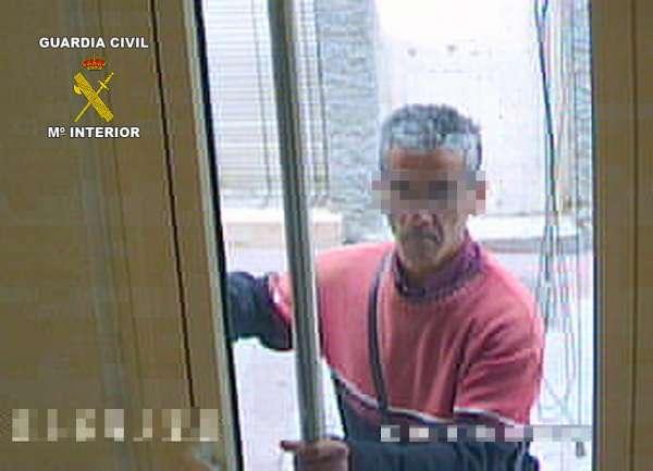 La Guardia Civil detiene en pocas horas presunto atracador de una entidad bancaria de Albudeite