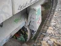 El desplazamiento de un puente en Alcoy obliga a reordenar el acceso a un polígono