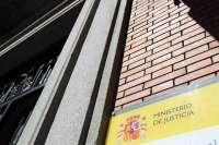 El Ministerio de Justicia aplaza el debate sobre devolución de competencias al Estado hasta que mejore la economía