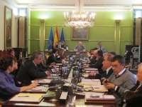 El Pleno aprueba por unanimidad la declaración institucional contra el cierre de la fábrica de La Vega