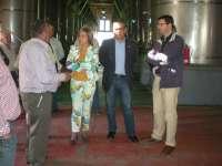 Sacan un nuevo vino blanco afrutado con denominación de origen Condado de Huelva