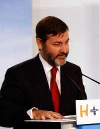 El diputado del PP por Cáceres Rafael Rodríguez-Ponga, nuevo secretario general del Instituto Cervantes