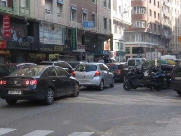 Ourense defiende el bus nocturno para evitar accidentes y A Coruña remarca la importancia de la
