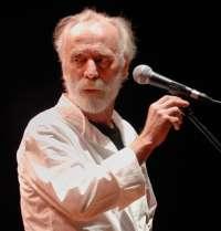 El cantautor satírico Javier Krahe protagoniza hoy la Tertulia de los Martes de Caja Segovia