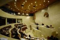 El Pleno debate este lunes sobre deuda estatal, Valdecilla y participaciones preferentes
