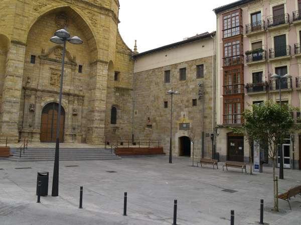 El Museo de Arte Sacro de Bilbao realiza este mes visitas guiadas por el Casco Viejo
