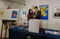 Un vecino de Monzón gana el sorteo de la obra 'Tres visiones de Warhol', en el marco de la muestra del artista americano