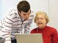 Más de un centenar de universitarios se forman para ser voluntarios a través de Andalucía Compromiso Digital