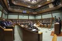 La Cámara vasca insta al Gobierno autonómico y a los bancos a asumir un
