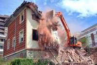 Derribado el número 2 de la calle Gamazo, declarado en ruina por el Ayuntamiento
