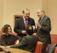El PSOE pide 1.250 millones más para financiar las inversiones previstas en estatutos como el de Extremadura