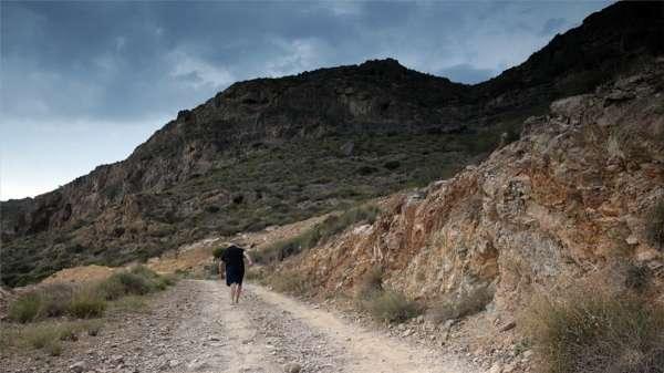 Un peregrino almeriense llegará a Santiago este viernes tras andar descalzo 1.420 kilómetros por una promesa