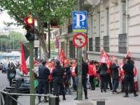 Trabajadores de RTVV se concentran ante la Audiencia Nacional mientras Pedro García declara por Gürtel