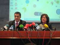 López insta a los fiscales a defender a