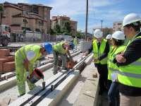 La consejera de Fomento marca el primer semestre de 2014 como fecha de finalización de las obras del Metro