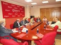 Ávila y Guijarro se reúnen con la Cámara de Comercio para aglutinar esfuerzos en la defensa del hospital de la provincia