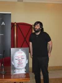 Miguel Lomba gana el concurso de la Ópera de Oviedo con un cartel que apela a las emociones
