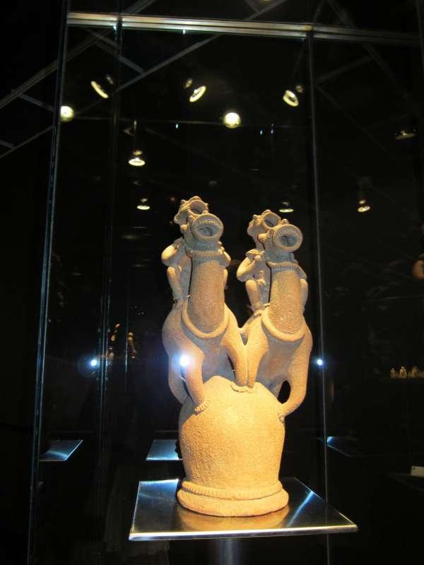 Valladolid acoge una exposición con la mayor colección de terracota africano del mundo sobre 'El reino de Oku'