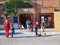 Los niños de las aulas unitarias se desplazarán a institutos a menos de media hora de sus casas, según Cospedal