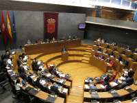 PSN, NaBai, Bildu e Izquierda-Ezkerra piden a Barcina que se someta a una cuestión de confianza en el Parlamento