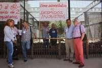 El PSOE traslada su apoyo a los dos trabajadores del Zoo que han iniciado un encierro contra su despido