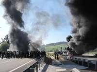 Condenados dos mineros a nueve meses de cárcel por colocar una barricada con neumáticos ardiendo en El Caleyo