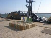 Dos detenidos tras incautar 1.500 kilos de hachís en una embarcación en el mar