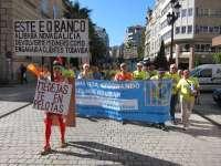 Concentraciones en varias localidades gallegas muestran el rechazo de los afectados por preferentes a la quita del 70%
