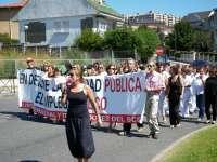 Empleados de Valdecilla protestan por los recortes, que