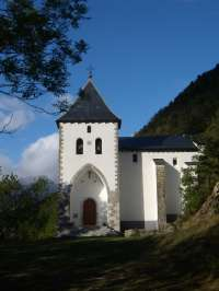 Los vecinos de Biescas rinden homenaje este sábado a su patrona Santa Elena en una romería hasta la ermita