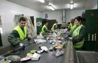 La Diputación prevé recoger 300 toneladas más de residuos sólidos urbanos al mes durante el verano