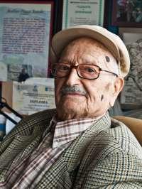 El Ayuntamiento de Teo (A Coruña) acogerá el martes un homenaje a Avelino Pousa Antelo, que fue