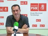 El PSOE critica el modificado de 600.000 euros, que regoe la subida del IVA y suprime ayudas a fachadas