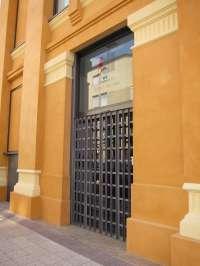 El PSOE critica la supresión de servicios y horarios en la Biblioteca Rafael Azcona y duda que se abra a 1 de octubre