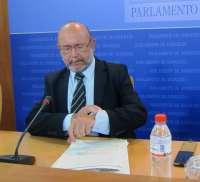 La comisión de investigación de ERE reparte al 50 por ciento entre grupos y compareciente las tres horas de cada sesión