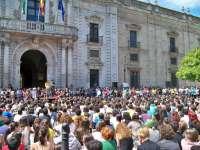 Profesores y alumnos universitarios anuncian decidirán en septiembre las movilizaciones contra los recortes